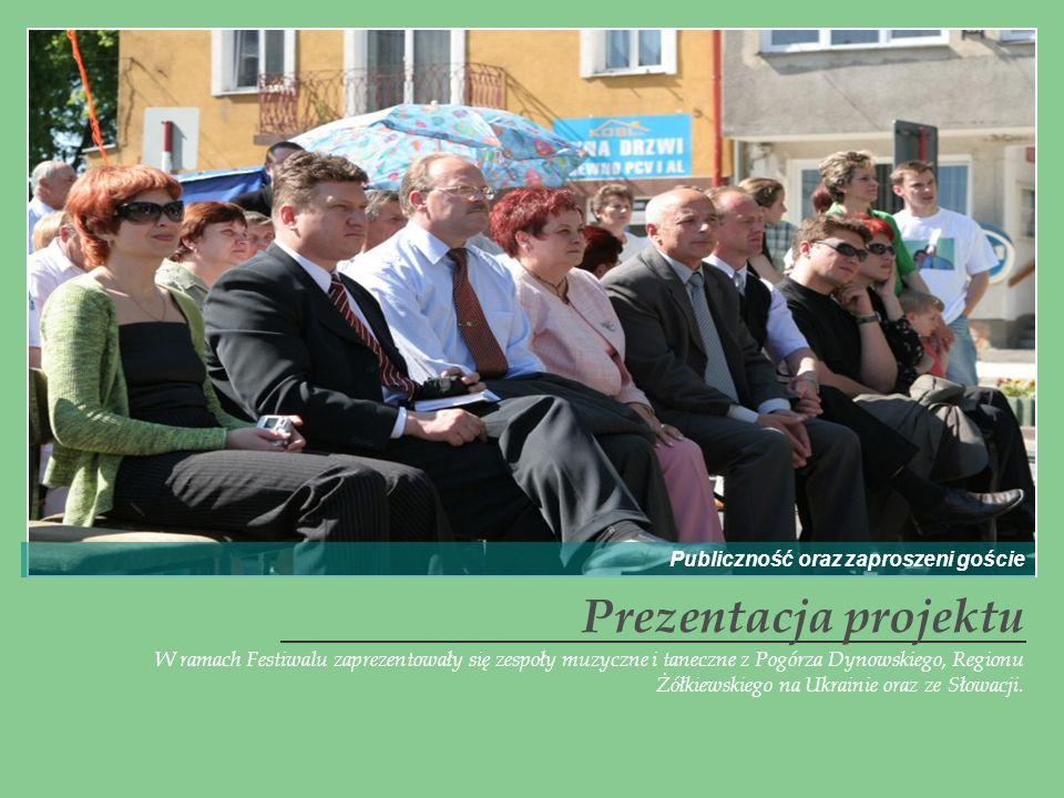 W ramach Festiwalu zaprezentowały się zespoły muzyczne i taneczne z Pogórza Dynowskiego, Regionu Żółkiewskiego na Ukrainie oraz ze Słowacji. Prezentac