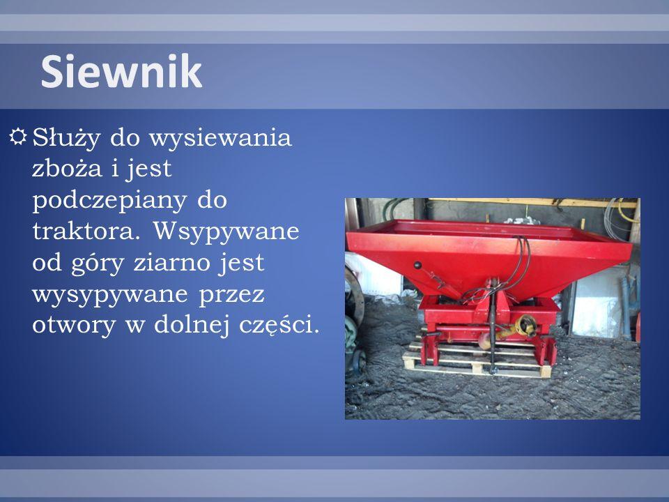 Służy do wysiewania zboża i jest podczepiany do traktora.