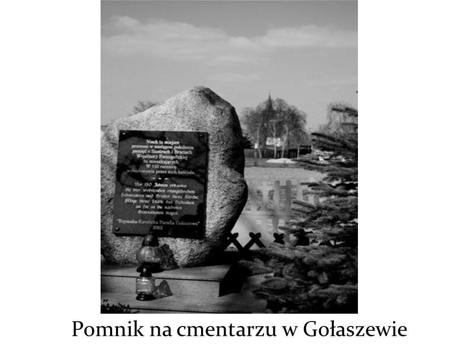Pomnik na cmentarzu w Gołaszewie