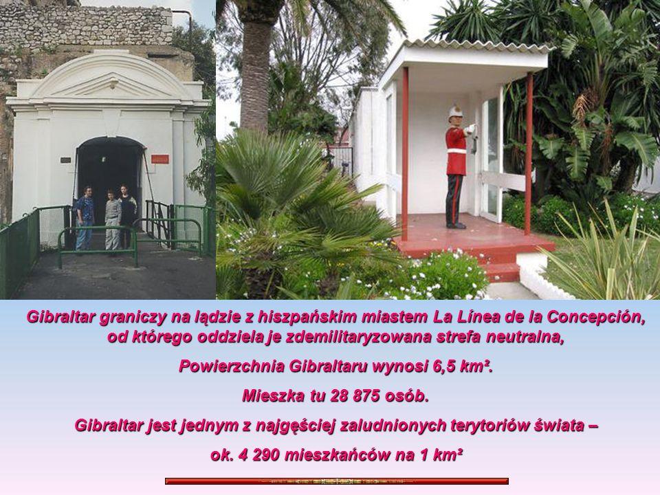 Gibraltar graniczy na lądzie z hiszpańskim miastem La Línea de la Concepción, od którego oddziela je zdemilitaryzowana strefa neutralna, Powierzchnia Gibraltaru wynosi 6,5 km².