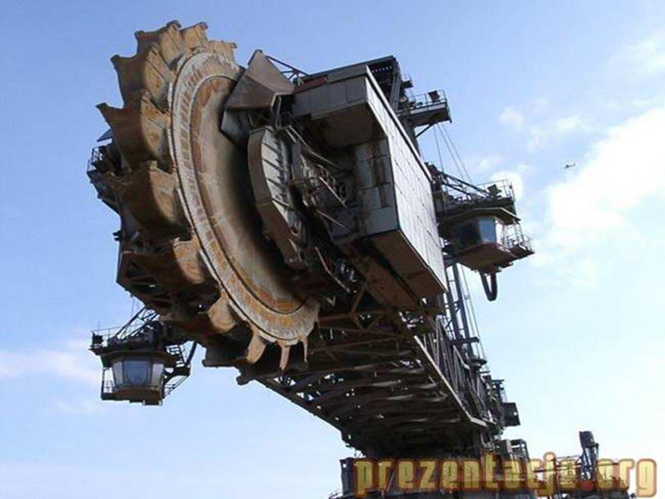 Dane techniczne: ~ Wymiary 103 m wysokości i 235 m długości.