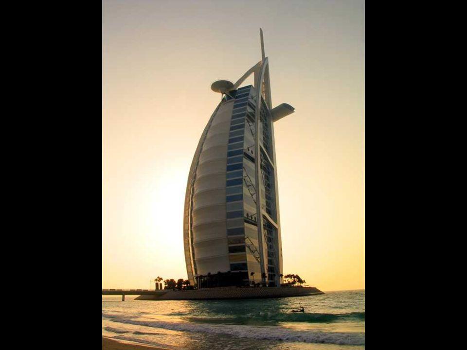 Hotel Burj al-Arab w Dubaju Najwyższy hotel na świecie. Najdroższy hotel na świecie. Jedyny hotel z 7-mioma gwiazdkami. Zbudowany na sztucznej wyspie