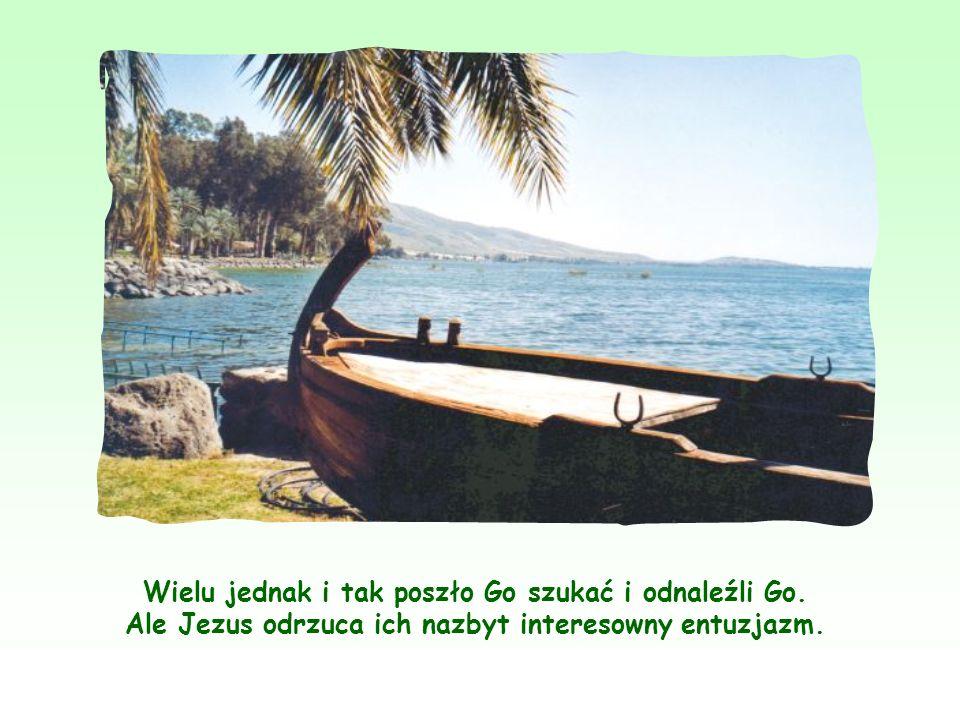 Jezus, nakarmiwszy rzesze przez cudowne rozmnożenie chleba nad brzegiem Jeziora Tyberiadzkiego, udał się, niezauważony przez nikogo, na drugi brzeg w