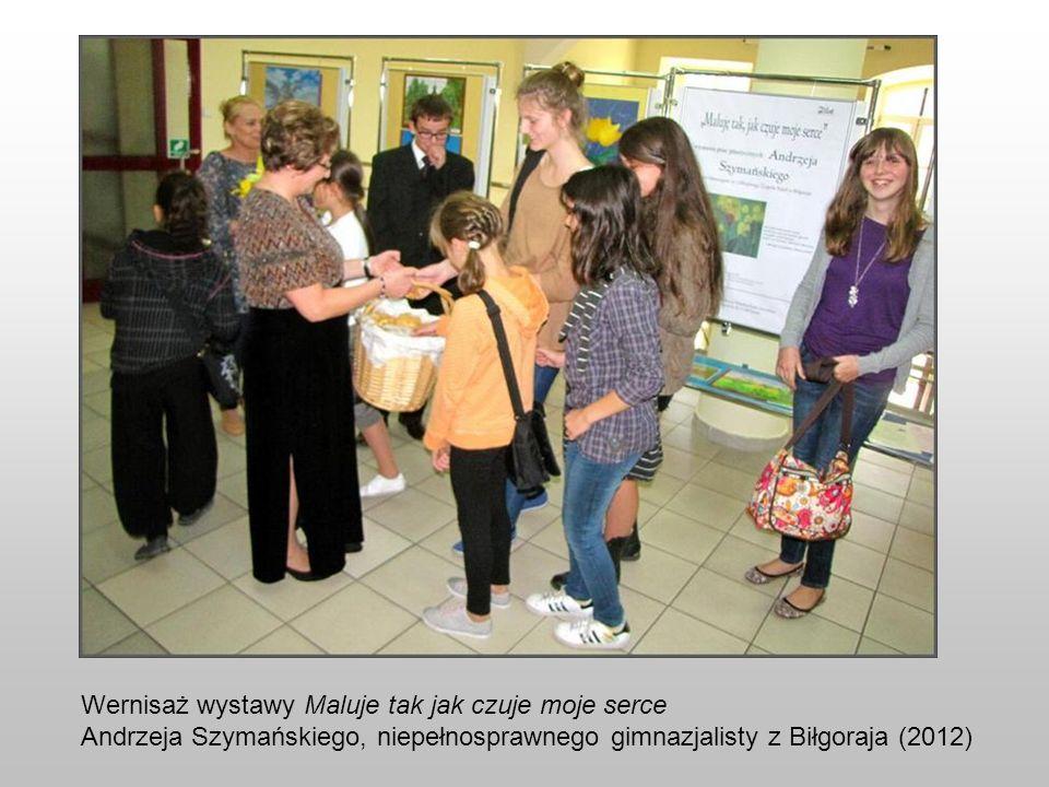 Wernisaż wystawy Maluje tak jak czuje moje serce Andrzeja Szymańskiego, niepełnosprawnego gimnazjalisty z Biłgoraja (2012)