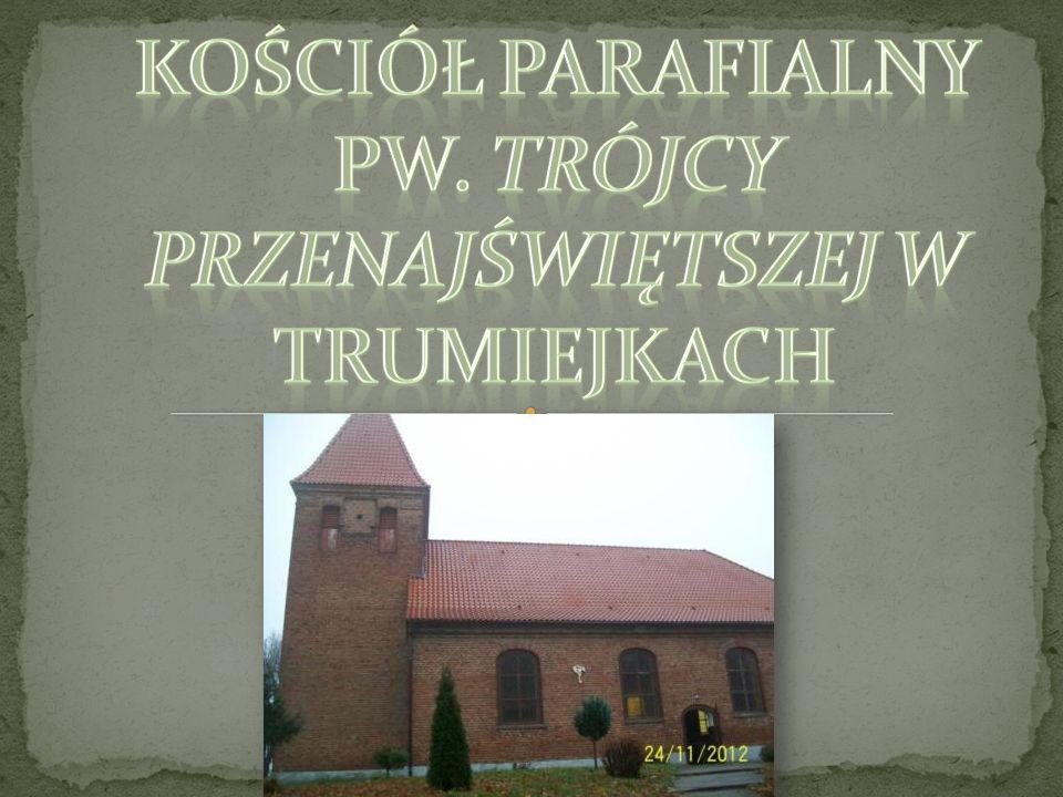 W latach 1726-1814 kościół trójmiejski był filią parafii ewangelickiej w Pławtach Wielkich, następnie włączono go do parafii w Bałoszycach.