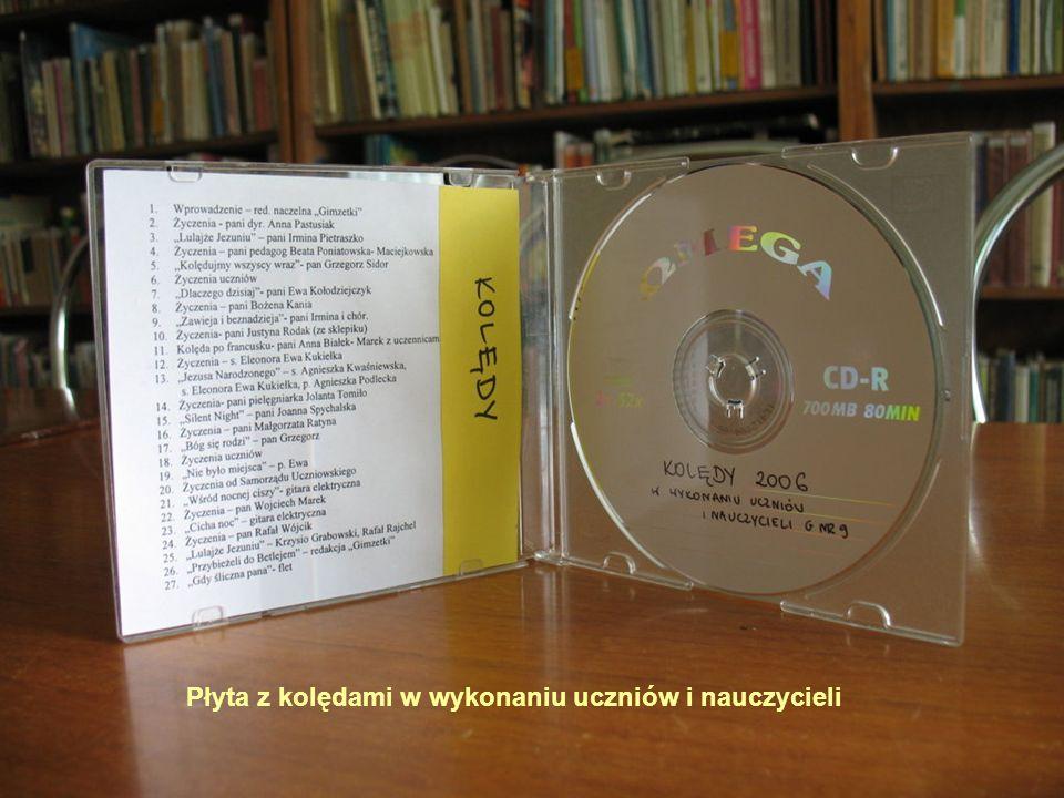 21 Płyta z kolędami w wykonaniu uczniów i nauczycieli