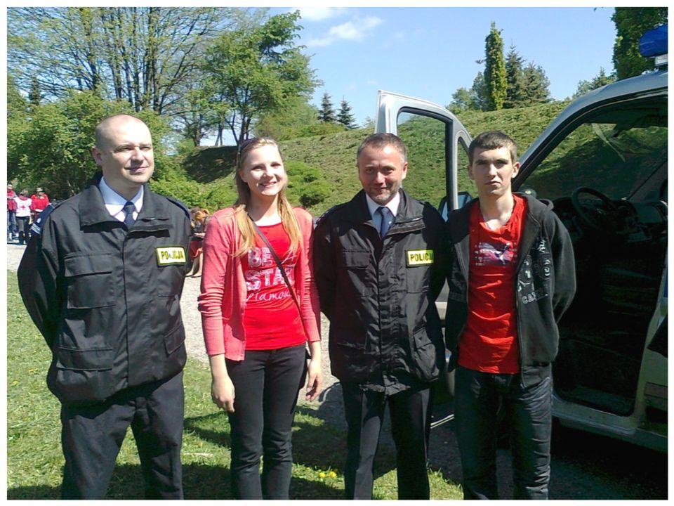 8 maja brali ś my udział w obchodach Polskiego Czerwonego Krzy ż a i Półksi ęż yca.