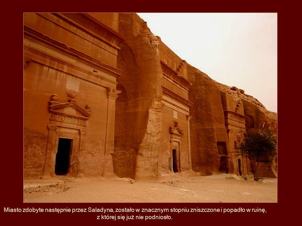 W średniowieczu, w okresie wypraw krzyżowych, Petra była zajęta przez krzyżowców, którzy zbudowali tutaj dwie cytadele.