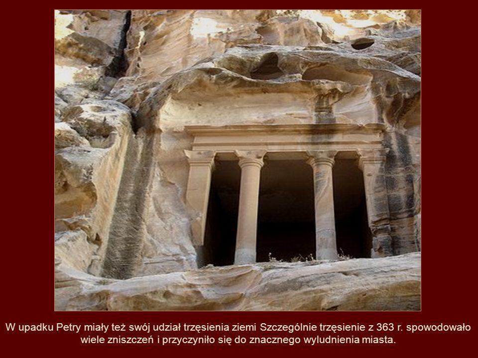 Miasto zdobyte następnie przez Saladyna, zostało w znacznym stopniu zniszczone i popadło w ruinę, z której się już nie podniosło.