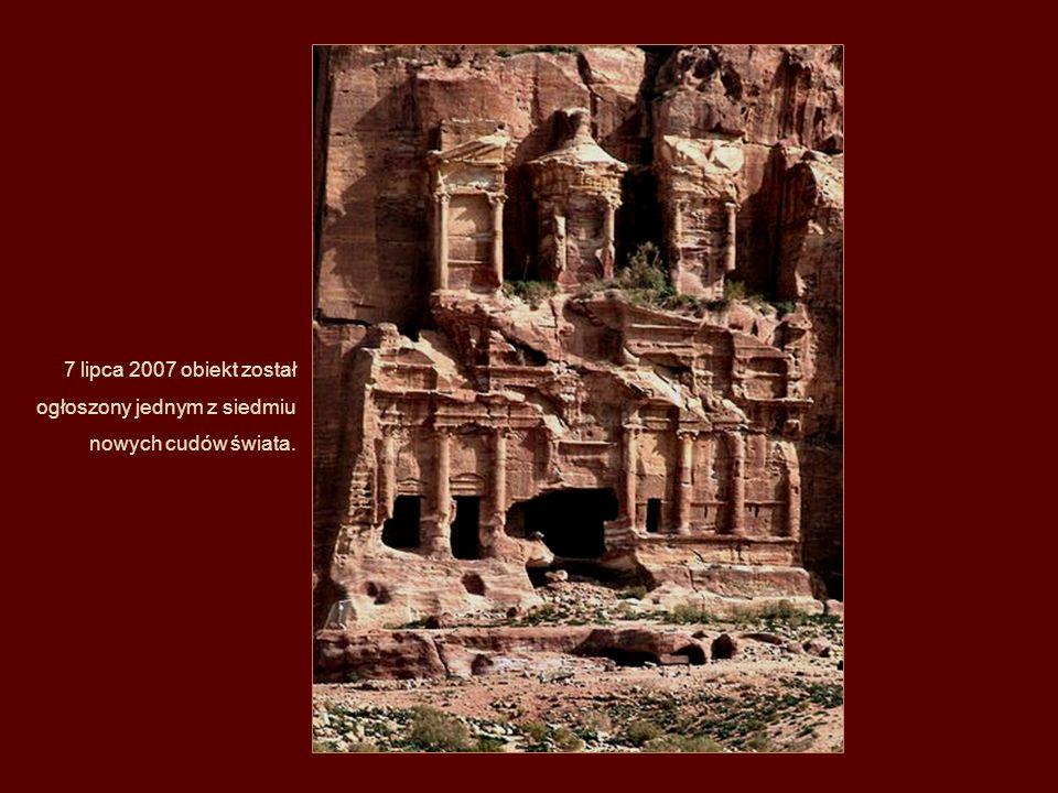 W upadku Petry miały też swój udział trzęsienia ziemi Szczególnie trzęsienie z 363 r. spowodowało wiele zniszczeń i przyczyniło się do znacznego wylud