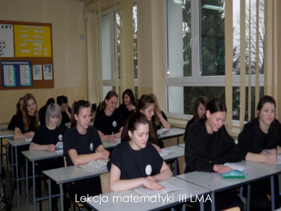 klasa dziennikarska Przedmioty z rozszerzonym programem nauczania wybór rozszerzenia od klasy I język polski, j.