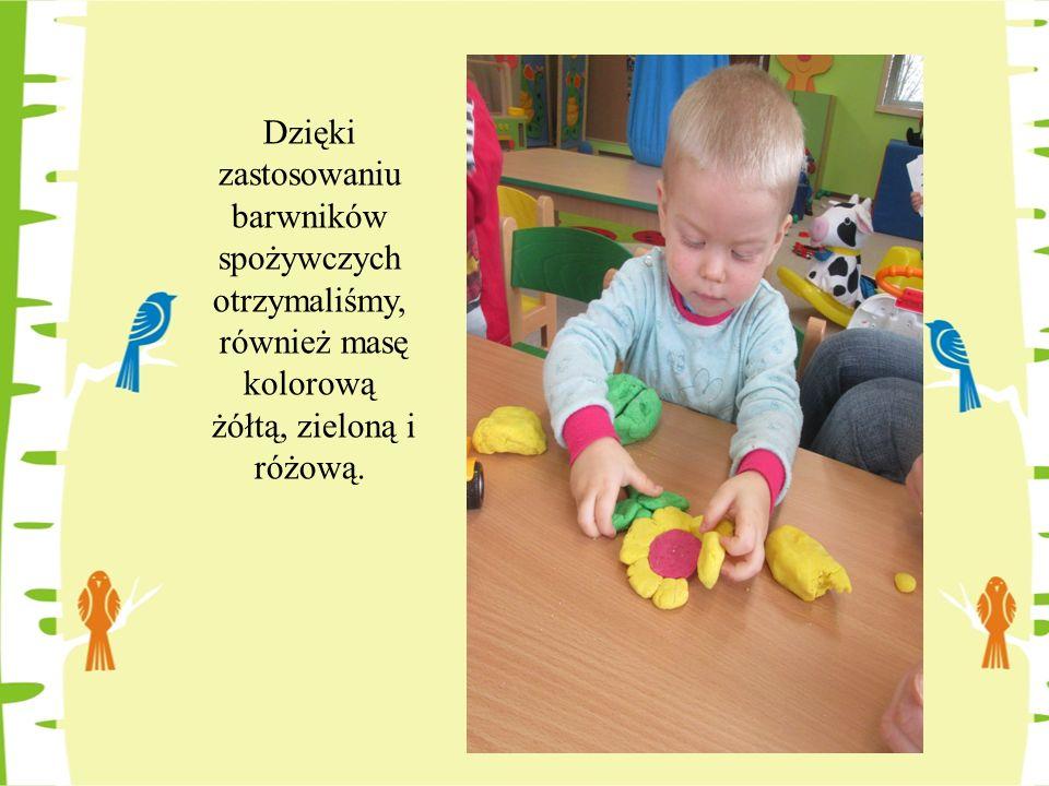 Taka zabawa usprawnia spostrzegawczość, sprawność rąk, koordynację wzrokowo-ruchową, pobudza zmysły.