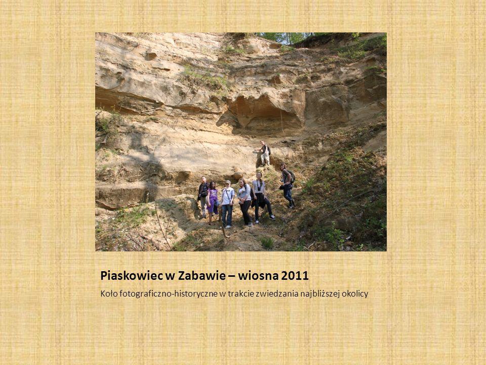 Mierzymy obwód buka w Jawczycach – wiosna 2011 Koło fotograficzno-historyczne w trakcie zwiedzania najbliższej okolicy
