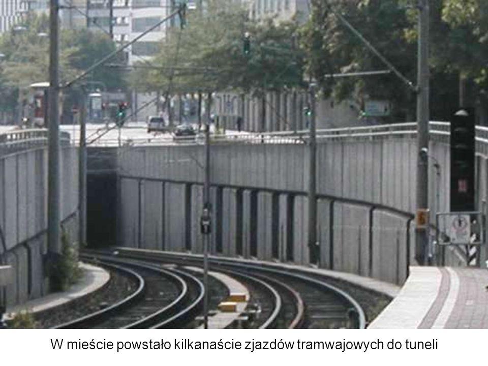 W mieście powstało kilkanaście zjazdów tramwajowych do tuneli