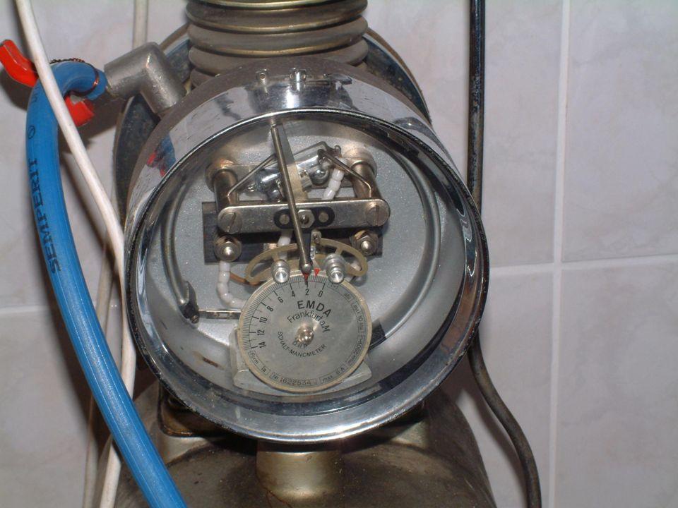 Palnik Do topienia szkła służy mi palnik na mieszaninę gazu (metanu) i powietrza.