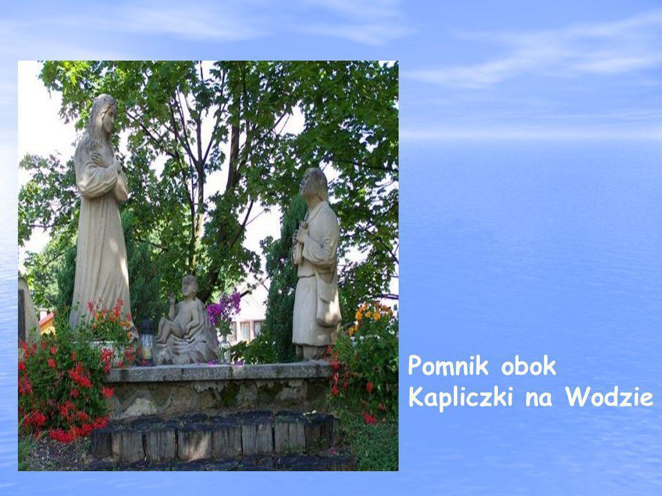 Pomnik obok Kapliczki na Wodzie