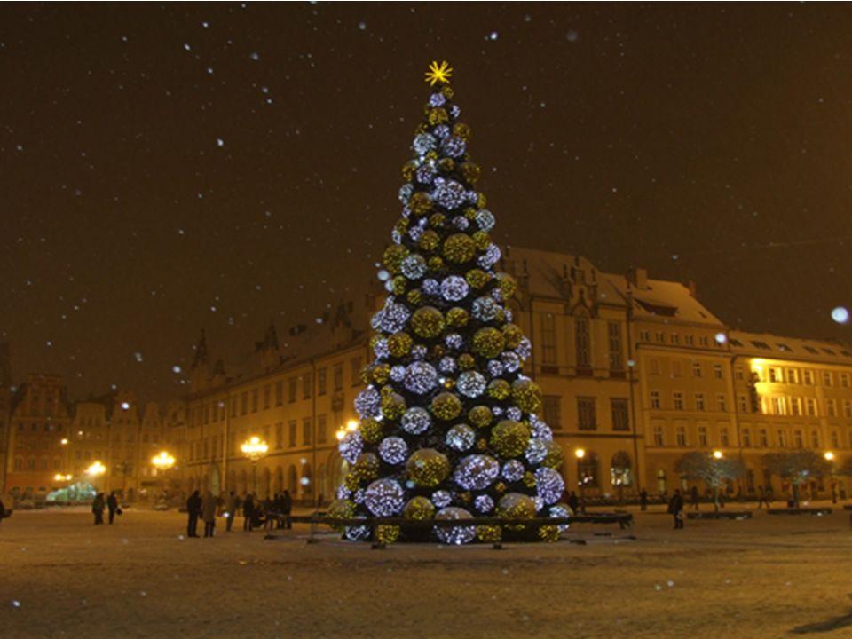 Kolędy Kolęda w Polsce oznacza przede wszystkim pieśń religijną, związaną tematycznie z narodzinami Chrystusa.