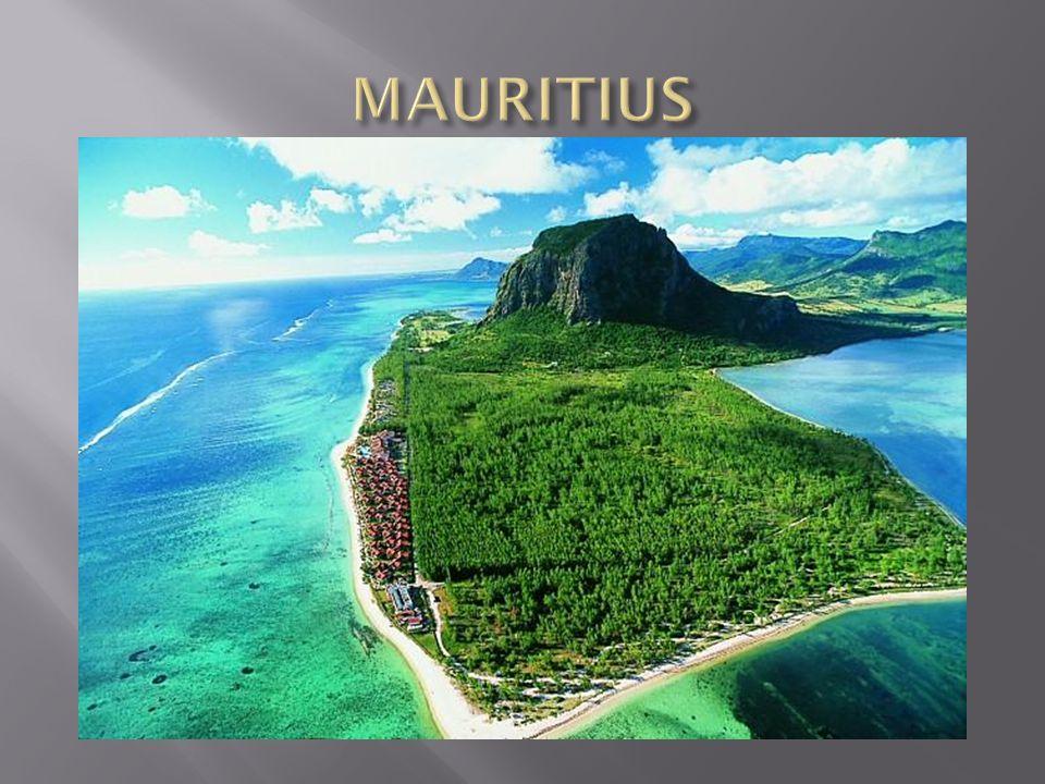 Daleko na południu, na ciepłych wodach Oceanu Indyjskiego, leży rajska wyspa Mauritius.