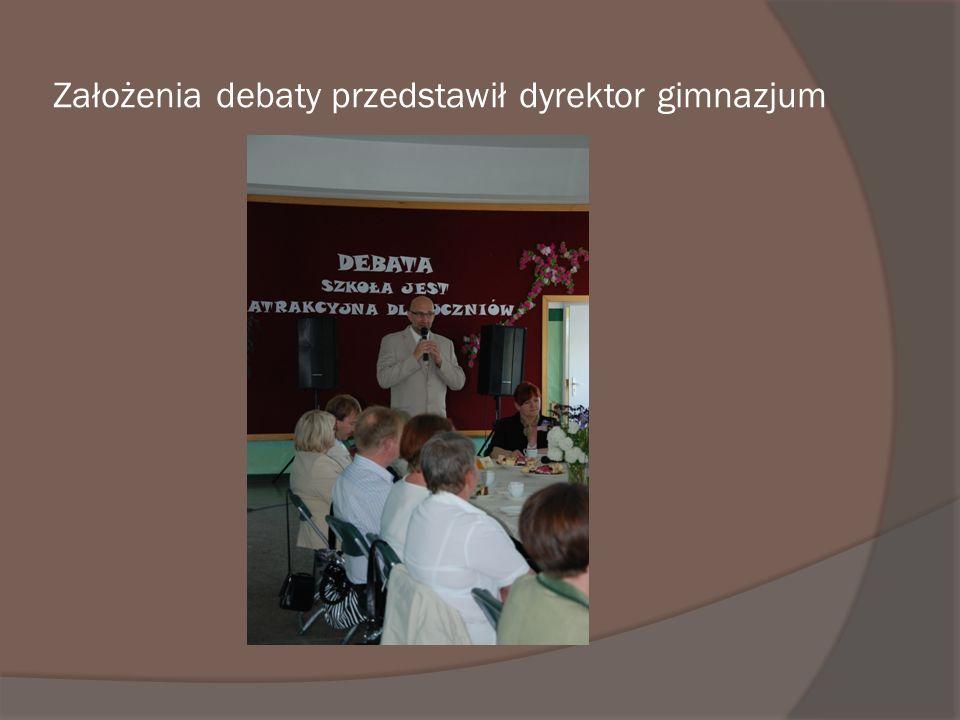 Założenia debaty przedstawił dyrektor gimnazjum
