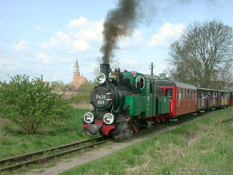 Pociąg kategorii Inter City Organismos Sirirodromon Ellados (koleje greckie) gdzieś na Półwyspie Korynckim