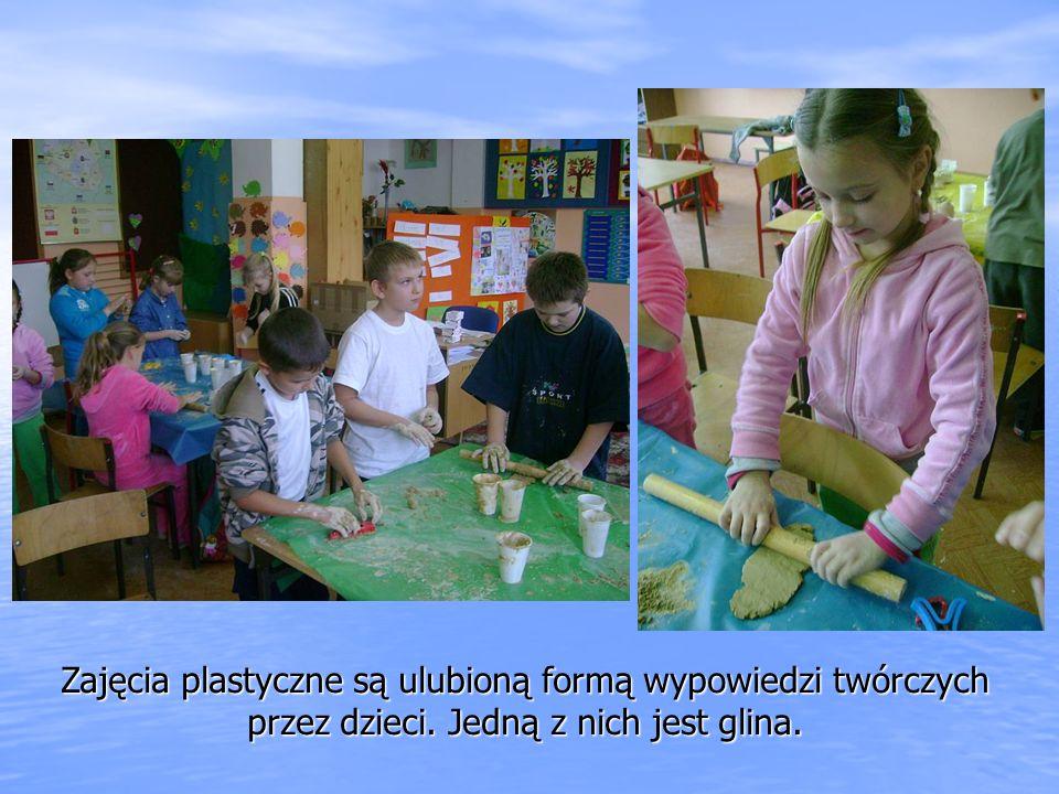 Zajęcia plastyczne są ulubioną formą wypowiedzi twórczych przez dzieci. Jedną z nich jest glina.