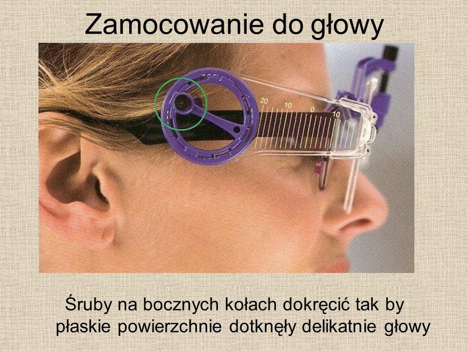 Zamocowanie do głowy Śruby na bocznych kołach dokręcić tak by płaskie powierzchnie dotknęły delikatnie głowy