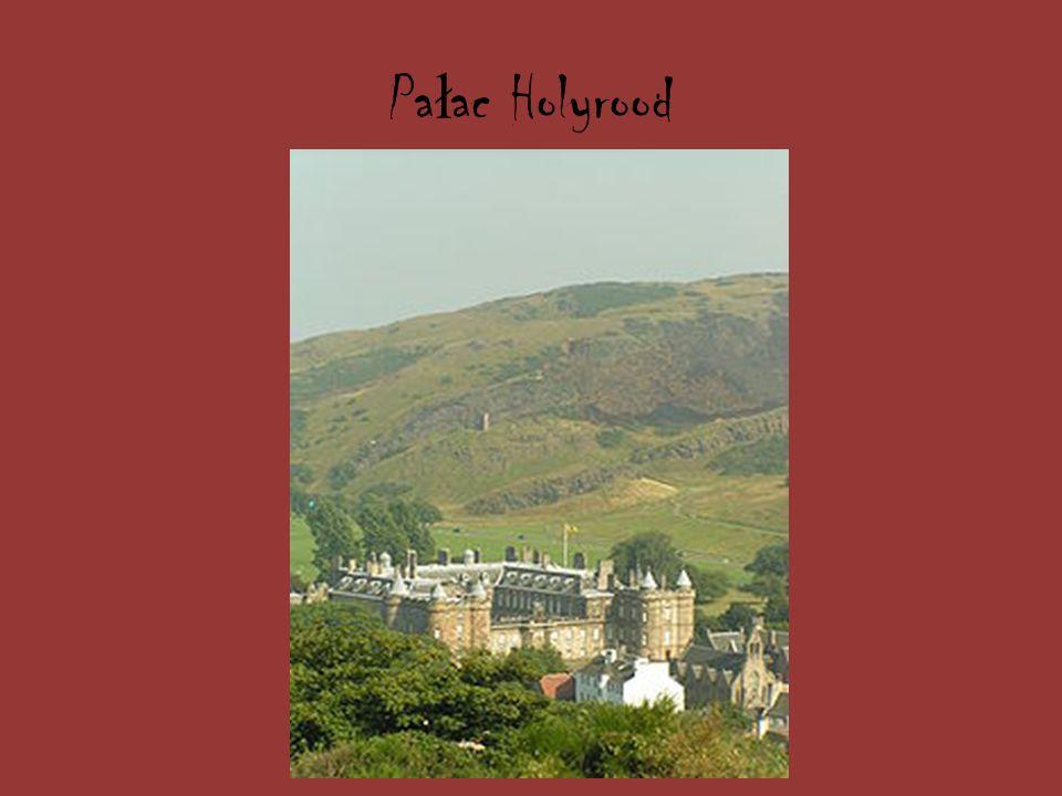 Zamek w Belfa ś cie – po ł o ż ony na zboczu góry Cavehill w Belfa ś cie zamek. Zlokalizowany na wysoko ś ci 120 m n.p.m. zapewnia atrakcyjny widok na
