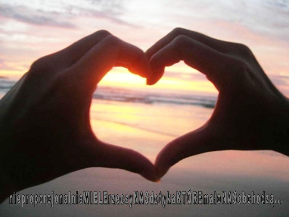 Smutne są słowa, gdy giną bez końca.Smutna jest miłość, gdy ból się uśmiecha.