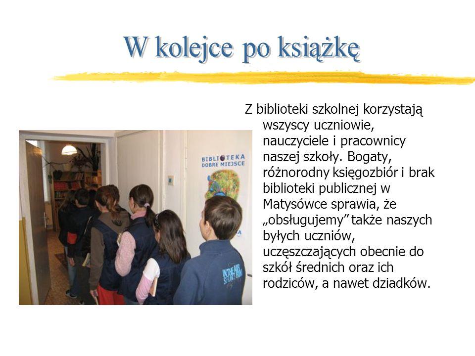 Z biblioteki szkolnej korzystają wszyscy uczniowie, nauczyciele i pracownicy naszej szkoły.