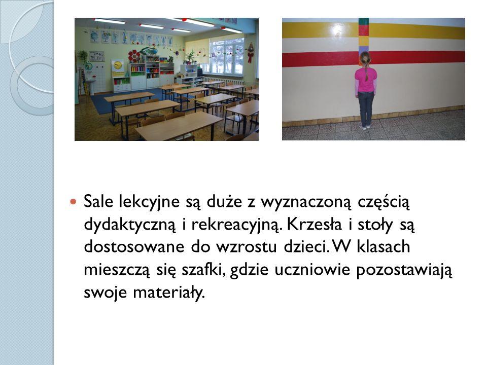 Posiadamy 9 klasopracowni dla uczniów edukacji wczesnoszkolnej i 2 sale oddziału zerowego.