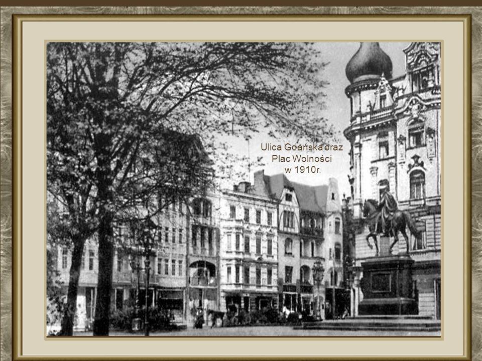 Plac Wolności w XIX w. n a pierwszym planie pomnik cesarz a Wilhelma I n a koniu
