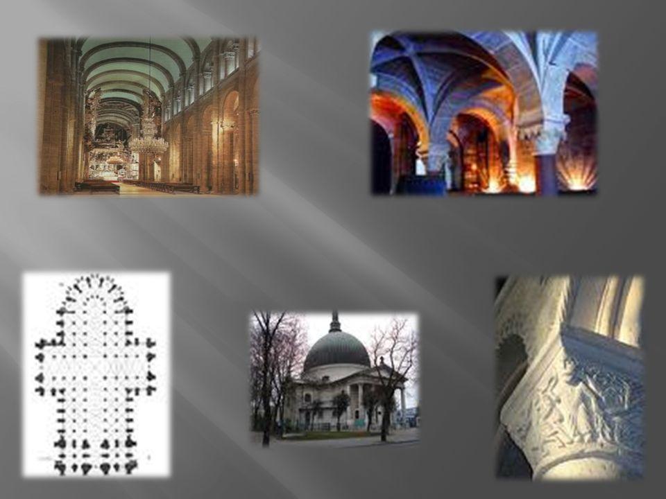 Cechy rzeźby: bliskie związki rzeźby z architekturą, przewaga płaskorzeźb (reliefów), niewielka ilość rzeźb wolno stojących, wykonanie rzeźb w kamieniu, rzadziej w drewnie, upodobanie rzeźbiarzy do scen ilustrujących Pismo Święte, stosowanie motywów roślinnych i zwierzęcych, zdobienie portali (obramowania drzwi wejściowych), kapiteli kolumn i ich trzonów, tympanonów pod łukami półkolistymi, umieszczanie rzeźb w niszach i zagłębieniach muru, stosowanie prawa ram - figurki bohaterów komponowano, tak aby mieściły się one w kwadracie, anonimowość artystów, brak dbałości o wierne oddanie prawdziwego wyglądu człowieka, nienaturalne układy postaci, dostosowane do ilości miejsca na rzeźbę, przedstawianie postaci Chrystusa zawsze w sposób surowy, sztywny, nieporuszony.