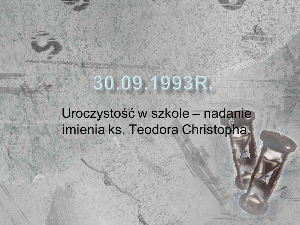 Kurator Oświaty podpisał akt nadania szkole imienia ks.