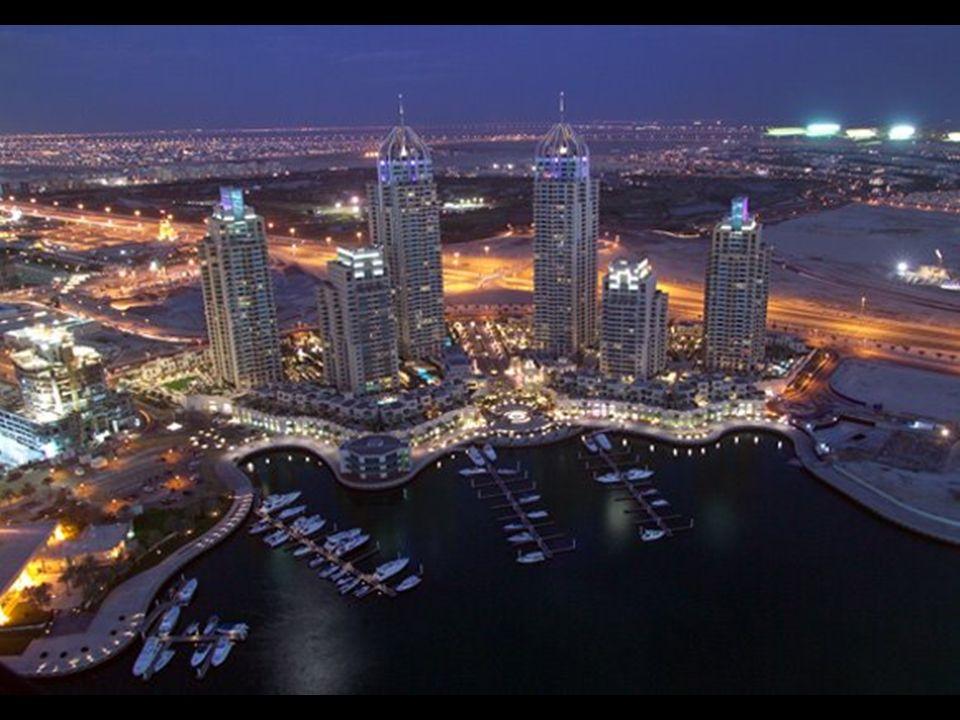 U wybrzeży Dubaju planuje się budowę ponad 200 drapaczy chmur. To będzie największe skupisko drapaczy chmur na ziemi. Wkrótce zostanie ukończony pierw