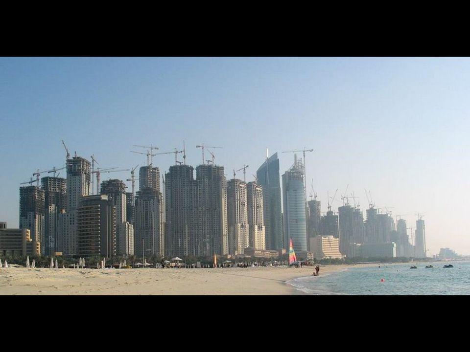 Na dzień dzisiejszy 15% wszystkich dźwigów na świecie znajduje się w Dubaju.