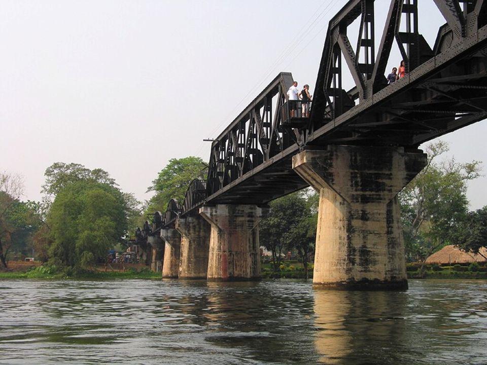 Konieczność zbudowania przeprawy przez rzekę Kwai Yai, w położonym na północ od Kanczanaburi miejscu zwanym Tha Makkham, była jedną z największych przeszkód w budowie kolei tajlandzko - birmańskiej.