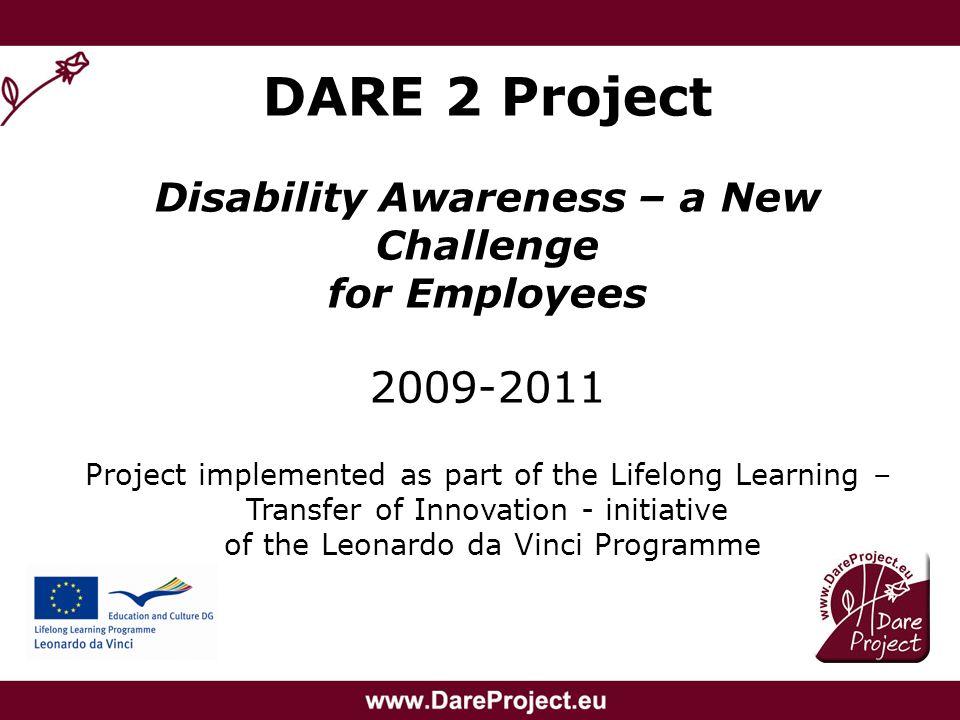 Korzyści ze szkolenia Zwiększenie wiedzy na temat barier na jakie napotykają osoby niepełnosprawne, Poznanie stereotypów i zmniejszenie uprzedzeń w stosunku do osób niepełnosprawnych, Zmniejszenie lęku przed kontaktem z osobą niepełnosprawną, Zmiana sposobu myślenia o osobach niepełnosprawnych: nie jako o obiektach działalności charytatywnej lecz jako o osobach posiadających pełnię praw.