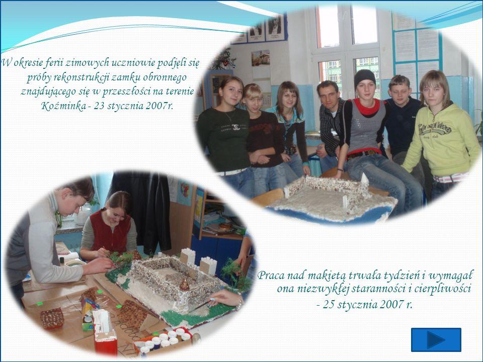 W okresie ferii zimowych uczniowie podjęli się próby rekonstrukcji zamku obronnego znajdującego się w przeszłości na terenie Koźminka - 23 stycznia 20