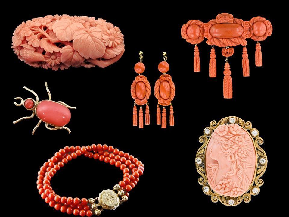 Wyróżnia się wiele odmian przyjmując za podstawę klasyfikacji barwę korali lub miejsce występowania.