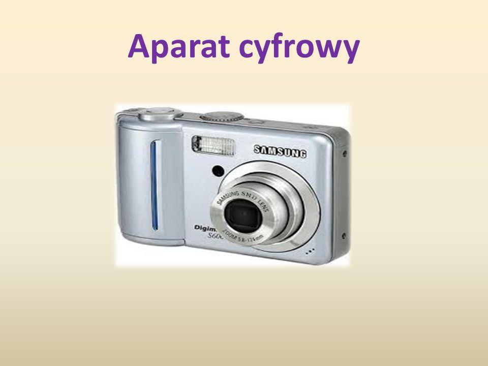Aparat cyfrowy – aparat fotograficzny rejestrujący obraz w postaci cyfrowej.