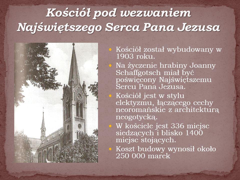 Kościół został wybudowany w 1903 roku. Na życzenie hrabiny Joanny Schaffgotsch miał być poświęcony Najświętszemu Sercu Pana Jezusa. Kościół jest w sty
