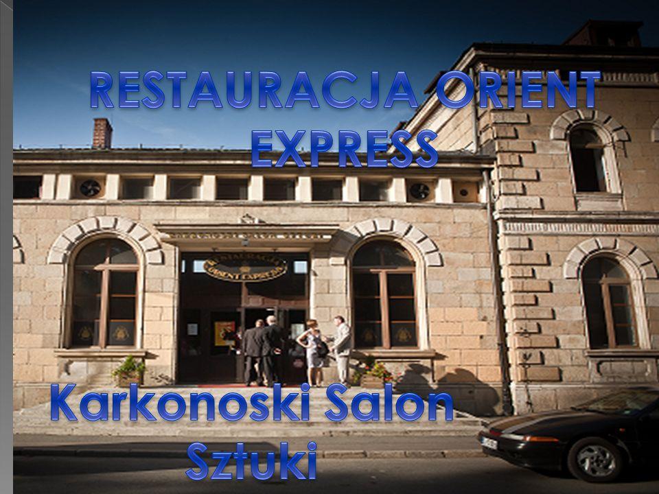 Obiekt w centrum Jeleniej Góry, znajduję się w dawnym budynku Głównego Dworca PKP W lokalu mieści się: Restauracja, Dom weselny, Klub muzyczny, Pokoje gościnne, Powierzchnia lokalu 1600m² Długoletnia dzierżawa od PKP, Niski czynsz,