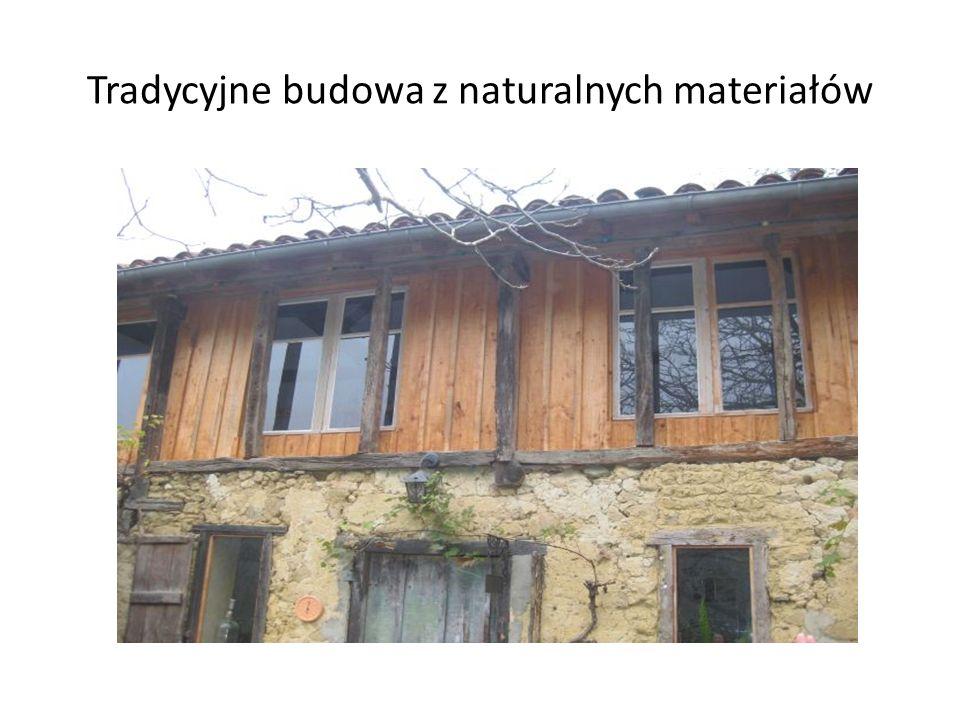Tradycyjne budowa z naturalnych materiałów