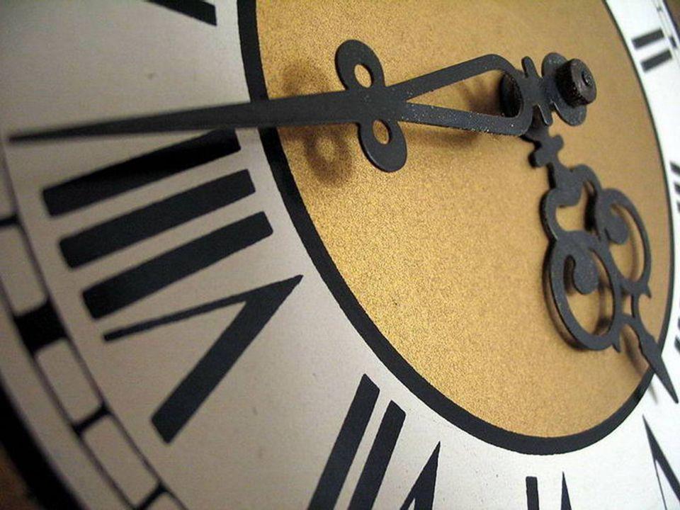 Wszystko ma swój czas.(łacińskie) Zegar może się zatrzymać, czas – nigdy.