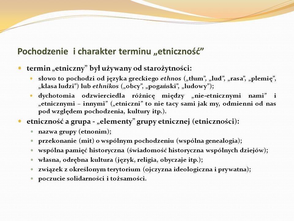 Pochodzenie i charakter terminu etniczność termin etniczny był używany od starożytności: słowo to pochodzi od języka greckiego ethnos (tłum, lud, rasa