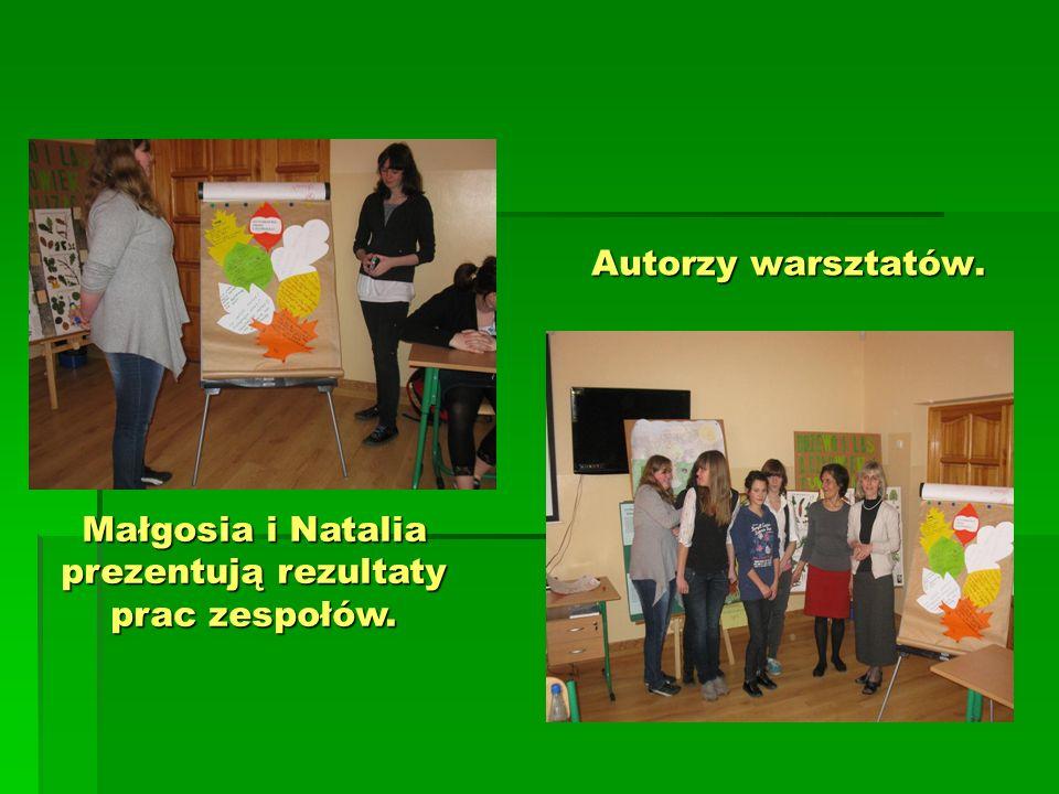 Autorzy warsztatów. Małgosia i Natalia prezentują rezultaty prac zespołów.