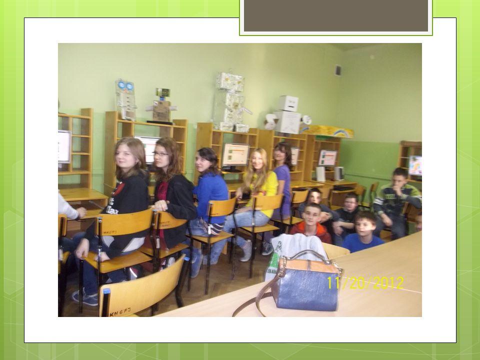 Konkurs Piękno książki 7 marca 2013 roku uczennice gimnazjum Dagmara Olczak, Natalia Pietrzak, Karolina Konopka oraz Aniela Pełka wraz z nauczycielką Ewą Gontarską- Pawluczyk uczestniczyły w spotkaniu zorganizowanym prze bibliotekę ZSPO im.