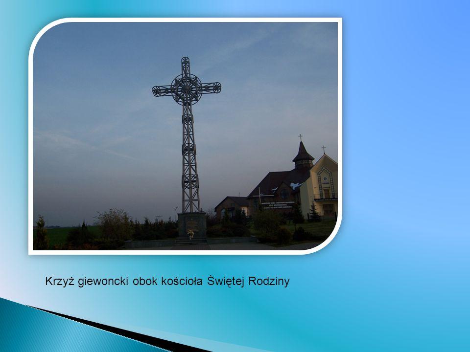 Krzyż giewoncki obok kościoła Świętej Rodziny
