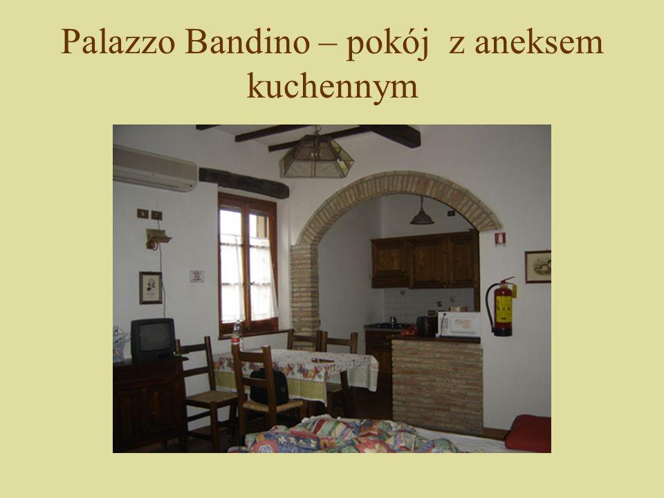 Palazzo Bandino – produkcja wina Strefy języka odpowiadające za smaki: czubek – słodki, tył – gorzki, boki – kwaśny i słony.