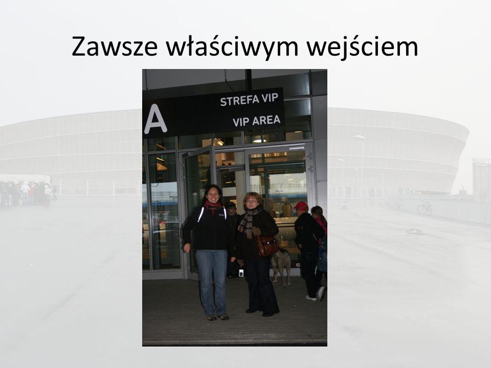 Prezentację wykonała Katarzyna Ignaszewska Źródło informacji o stadionie: http://www.2012.wroc.pl/http://www.2012.wroc.pl/
